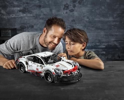 vehicule LEGO 42096 - LEGO® Technic Porsche 911 RSR